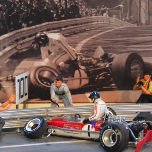 Diorama de l'accident de Graham HIll  à Barcelone en 1969