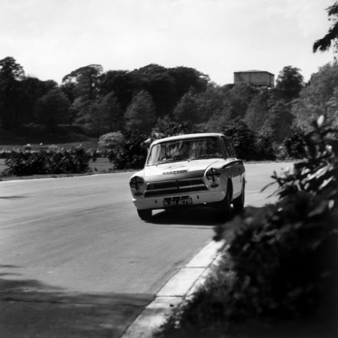 1964 Crystal Palace, England. May 1964. Jim Clark, Lotus Cortina, 1st position.jpg